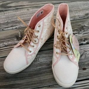NWOB Toms Ortholite Lace Up High Tops Shoes Sz 9